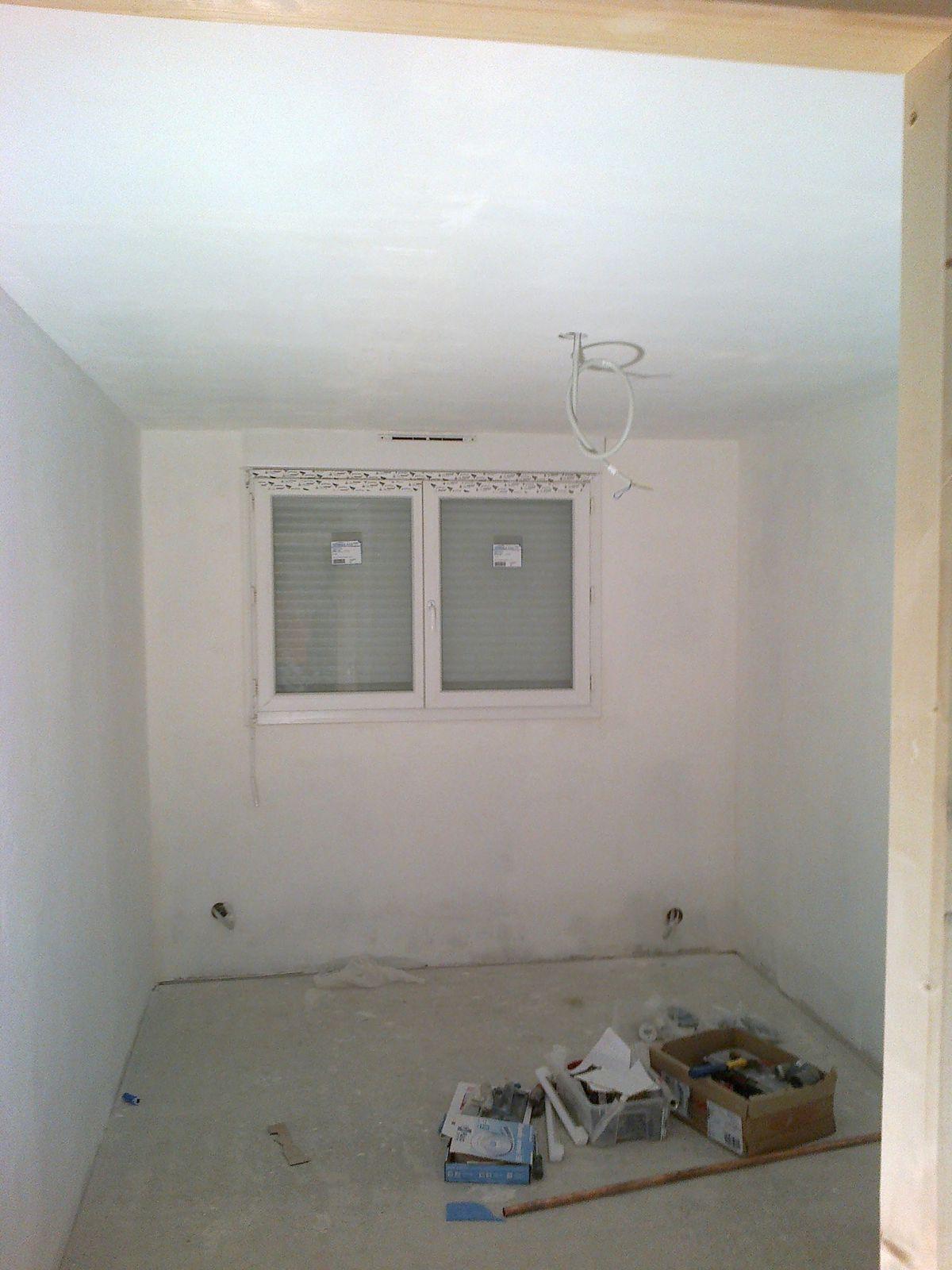 25 11 12 sous couche et achats d co quatre murs et. Black Bedroom Furniture Sets. Home Design Ideas