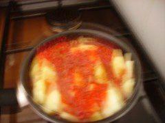 compote de pommes -fraises pendant la cuisson.JPG