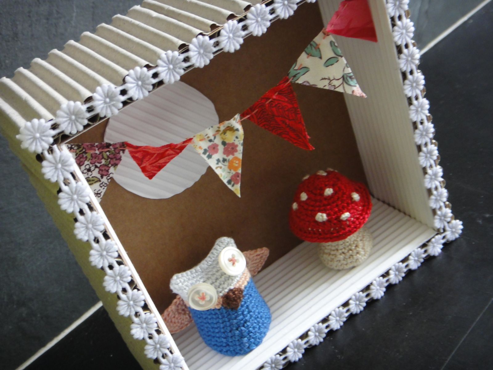 Carton crochet a donne le pot 2 colle cie - Donne carton demenagement gratuit ...