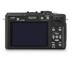 Panasonic-LUMIX-GX1-Black-07-570x457
