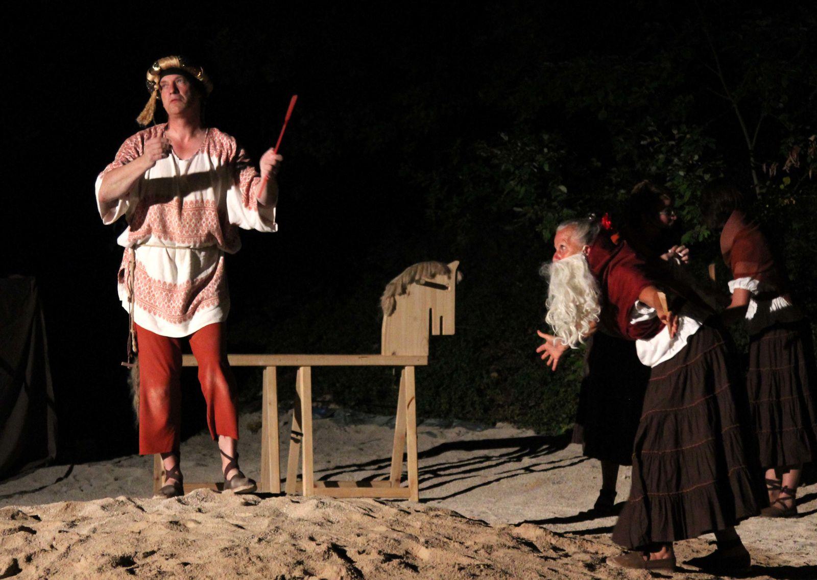 Deuxième acte du spectacle d'été 2011 des Mattagumber.  (photos Gaby Marck - Jacques Saly)