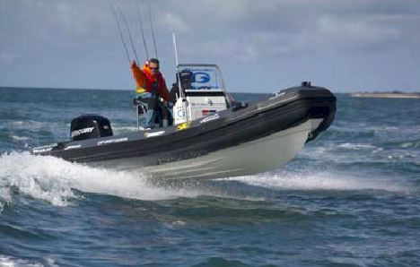 bateau de peche pneumatique valiant fishing
