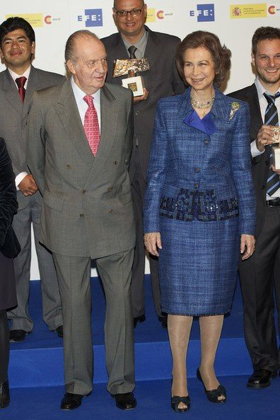King-Juan-Carlos-Spanish-Royals-Attend-Jornalism-MwPKkQQDeJ.jpg