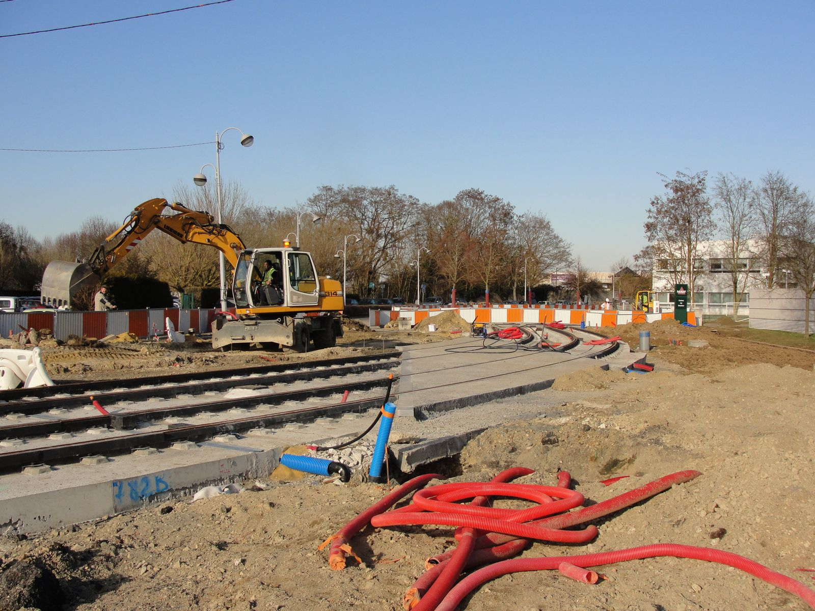 http://idata.over-blog.com/4/60/40/19/Construction-de-la-ligne---2011--3-/DSC07359.JPG