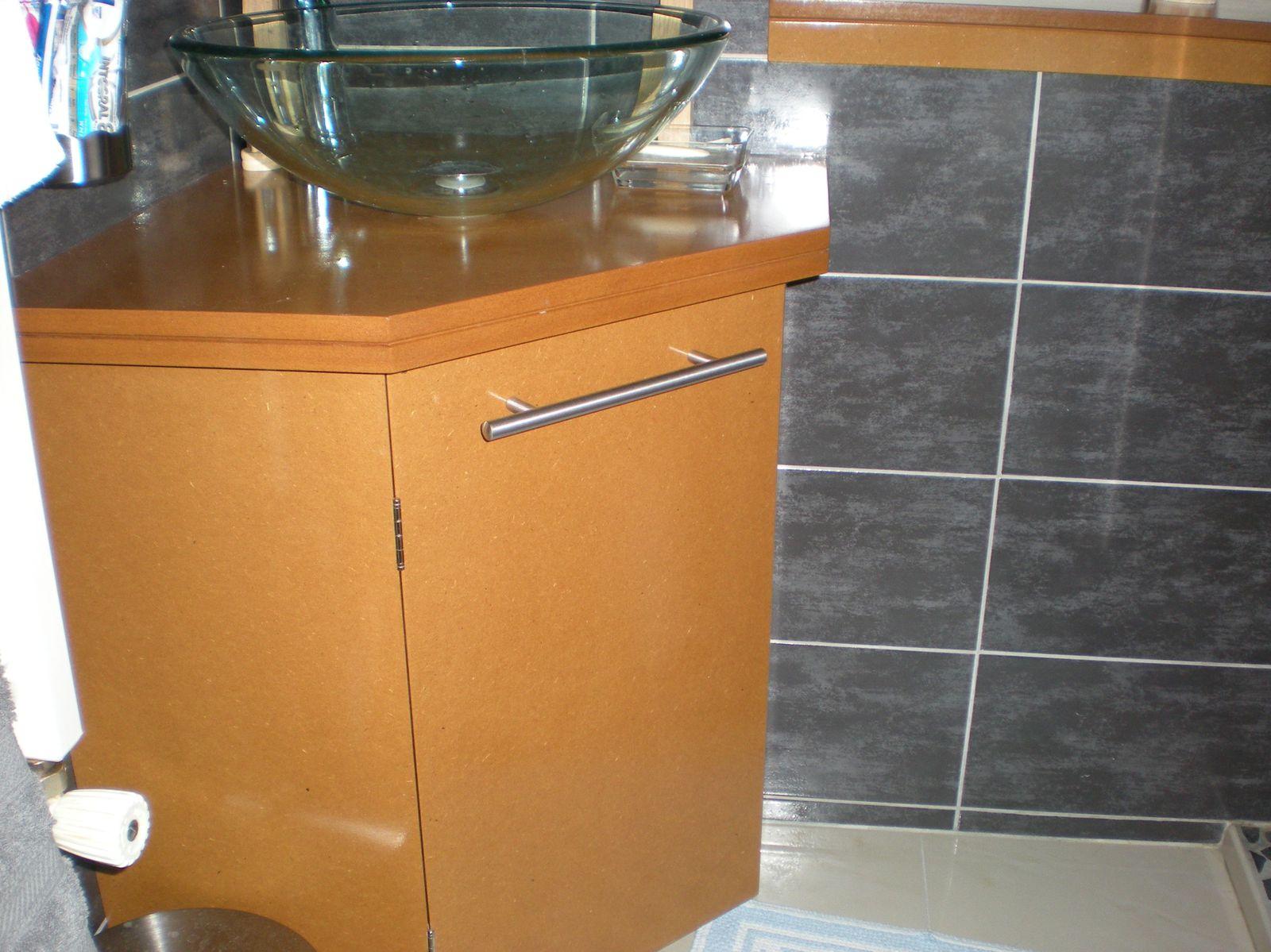 meuble de salle de bain mdf vernis le blog de menuiserie. Black Bedroom Furniture Sets. Home Design Ideas