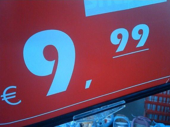 S7-A-Stuttgart-le-litre-d-essence-est-affiche-a-9--copie-2.jpg