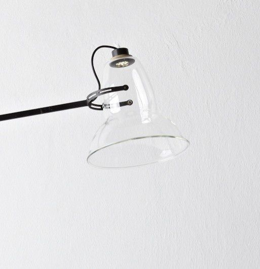 led anglepoise close-up