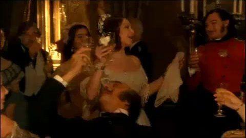 verdi-traviata-brindisi-libiam_19xu3_f472k.jpg