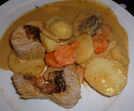 Filet mignon au chorizo, pruneaux - sauce poivrons (4)