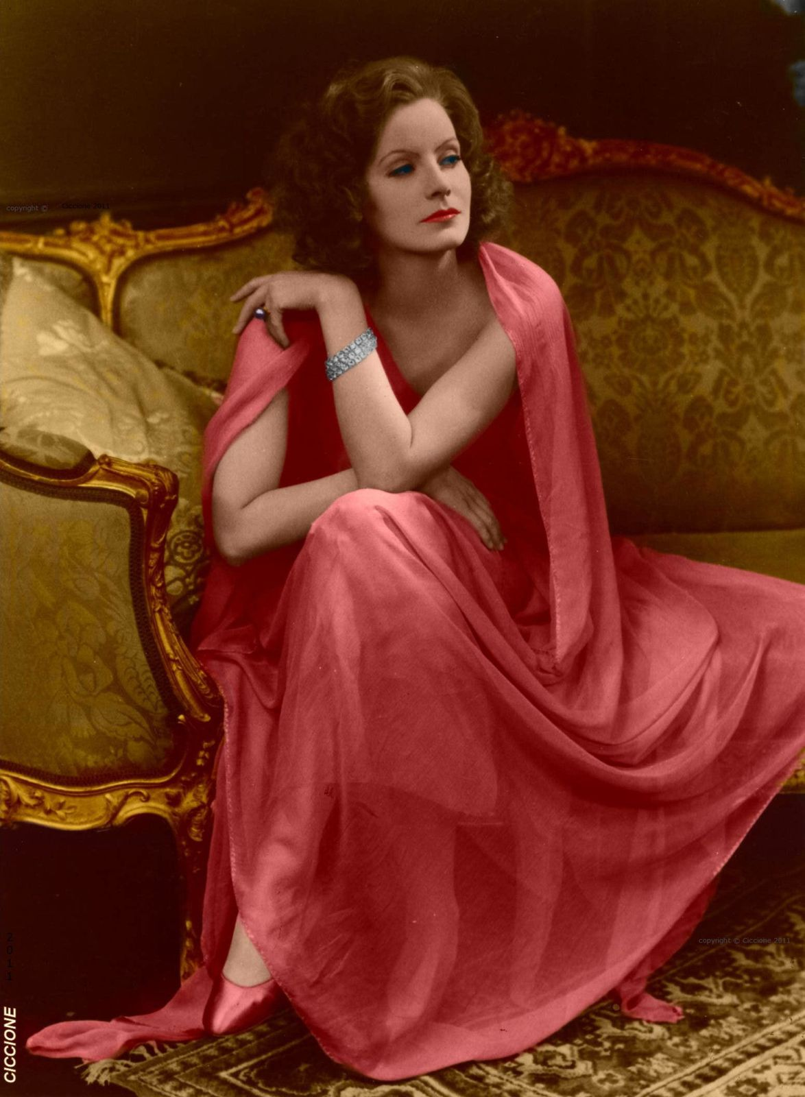 Colorized-pic-of-GG--The-Mysterious-Lady---copie-1.jpg