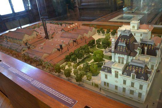 Lyon2-maquette-village-usines.jpg