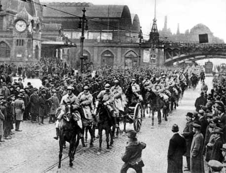 France-Entree-troupes-francaises-Ruhr.jpg