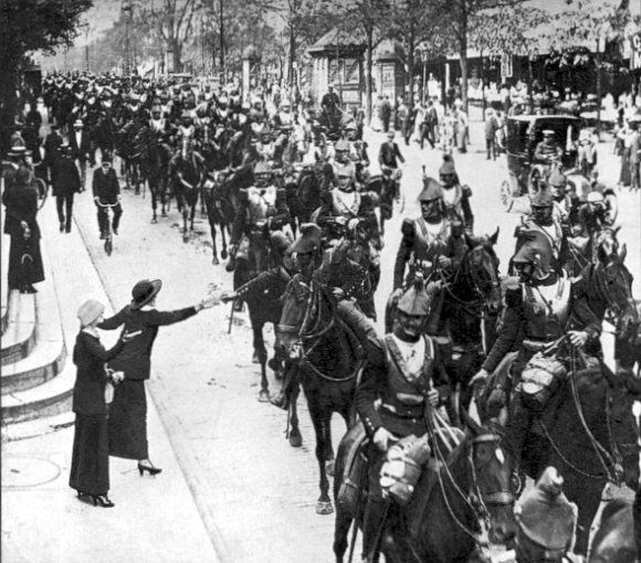 France Cavalerie WW1 French heavy cavalry Paris August 1914