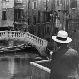 Italie-Mort-Venise-following-the-streets.jpg
