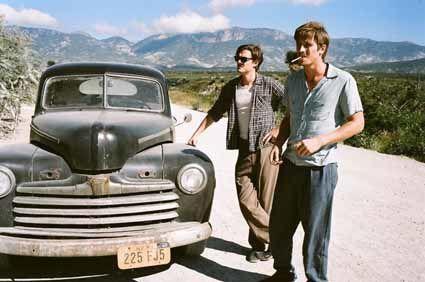 Sur-la-route---Sam-Riley-et-Garrett-Hedlund-copie-1.jpg
