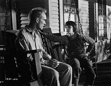 Du silence et des ombres - Robert Duvall et Mary Badham