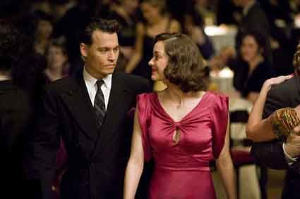 Public-Enemies---Johnny-Depp-et-Marion-Cotillard.jpg