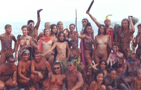 NUDISM_FAMILY_COLONY-copie-1.jpg