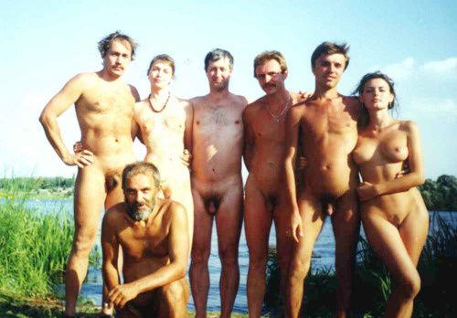 NUDISM_FAMILY_PICTURES-copie-1.jpg