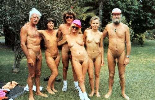 NUDISM_FAMILY_PICTURES.jpg