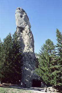 sollieres-sardieres-monolithe-sardieres.jpg