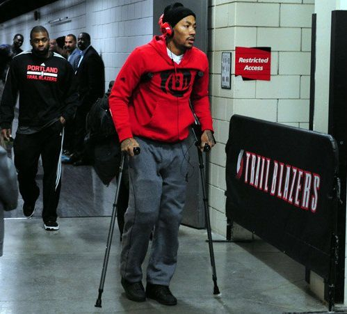 131123021722-derrick-rose-knee-injury-t1-with-tabs.jpg