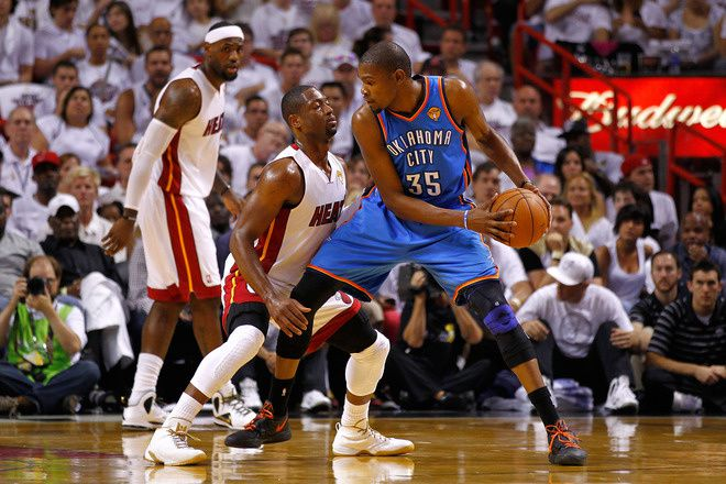 Durant-tells-Wade-he-is-too-small.jpg