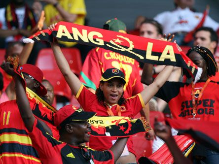 FOOT_Angola_supporters.jpg