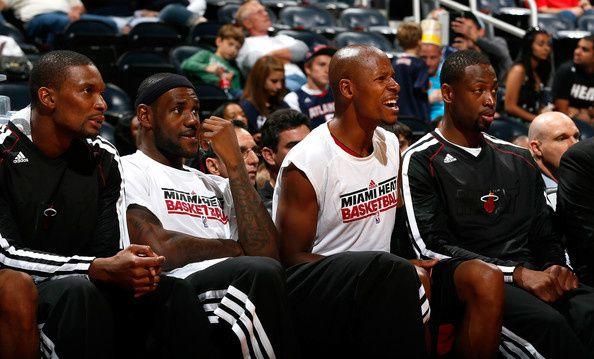 Dwyane-Wade-Chris-Bosh-Miami-Heat-v-Atlanta-YjVPUCF8cCol.jpg