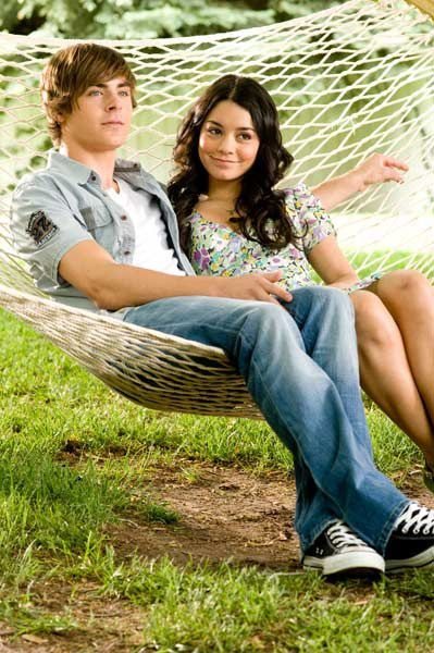 Vanessa Anne Hudgens et Zac Efron. Walt Disney Studios Motion Pictures France