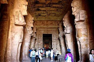 interieur-du-temple-ramses.jpg