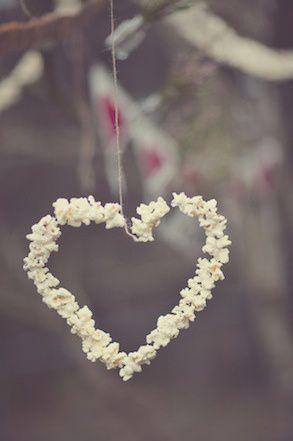 01-LEAD-heart-garland-bunting-daniels_clark_gemmer_photogra.jpg