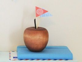 diy-4th-july-bunting-topppe.jpg