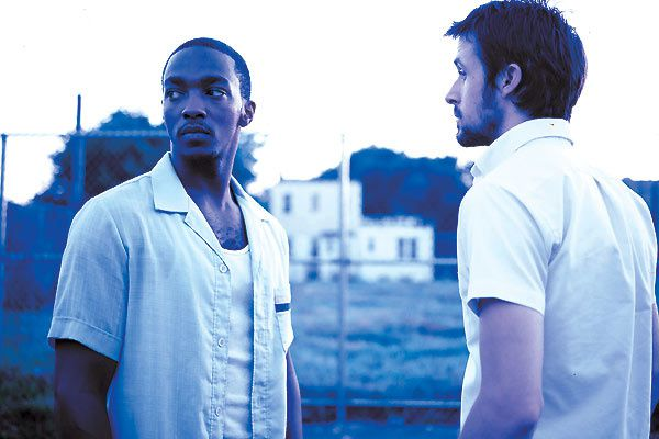 Anthony Mackie et Ryan Gosling. Colifilms Diffusion