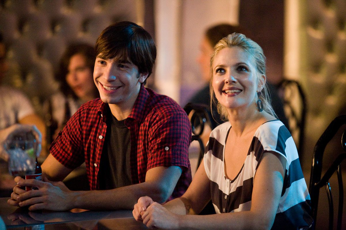 Justin Long et Drew Barrymore. Warner Bros. France