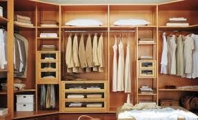 organiser son dressing ou son armoire trucs et astuces. Black Bedroom Furniture Sets. Home Design Ideas