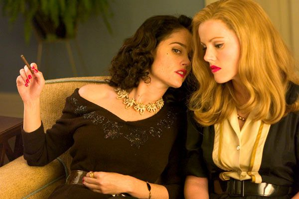 Robin Tunney et Kathleen Robertson. Buena Vista International