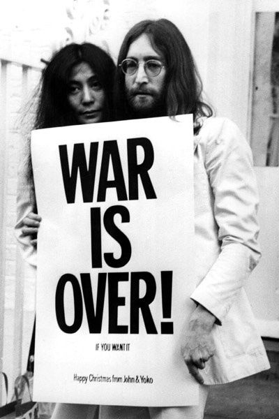 Yoko Ono et John Lennon. Lions Gate Films Inc.