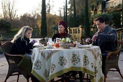 Coeur d'encre - de gauche à droite : Eliza Bennett, Helen Mirren et Brendan Fraser.