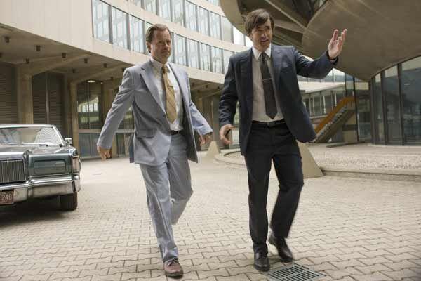 Greg Kinnear et Dermot Mulroney. Universal Pictures International France