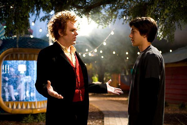 Chris Massoglia et John C. Reilly. Universal Pictures International France