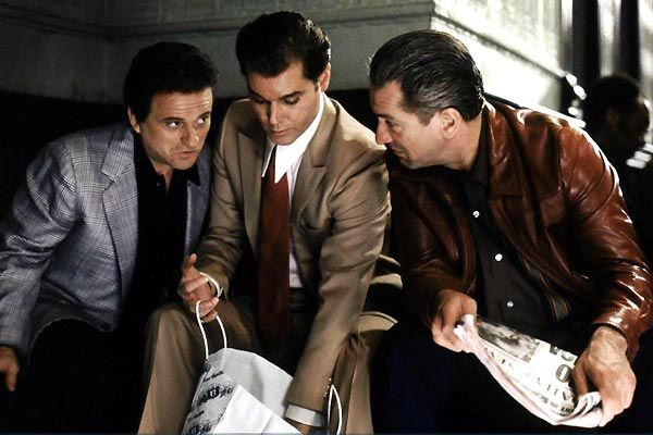 Joe Pesci, Ray Liotta et Robert De Niro. Warner Bros. France