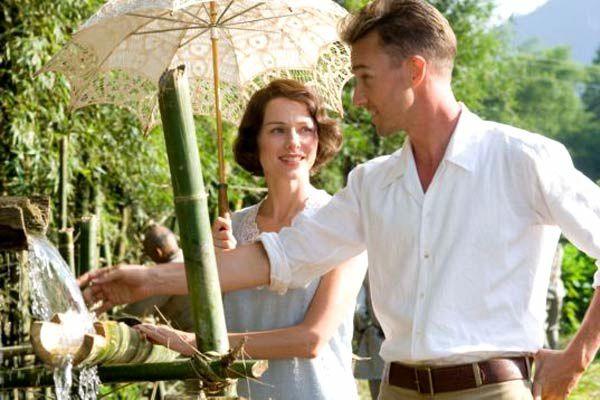 Naomi Watts et Edward Norton. Metropolitan FilmExport