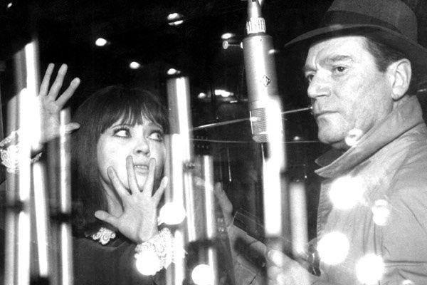 Anna Karina et Eddie Constantine. StudioCanal