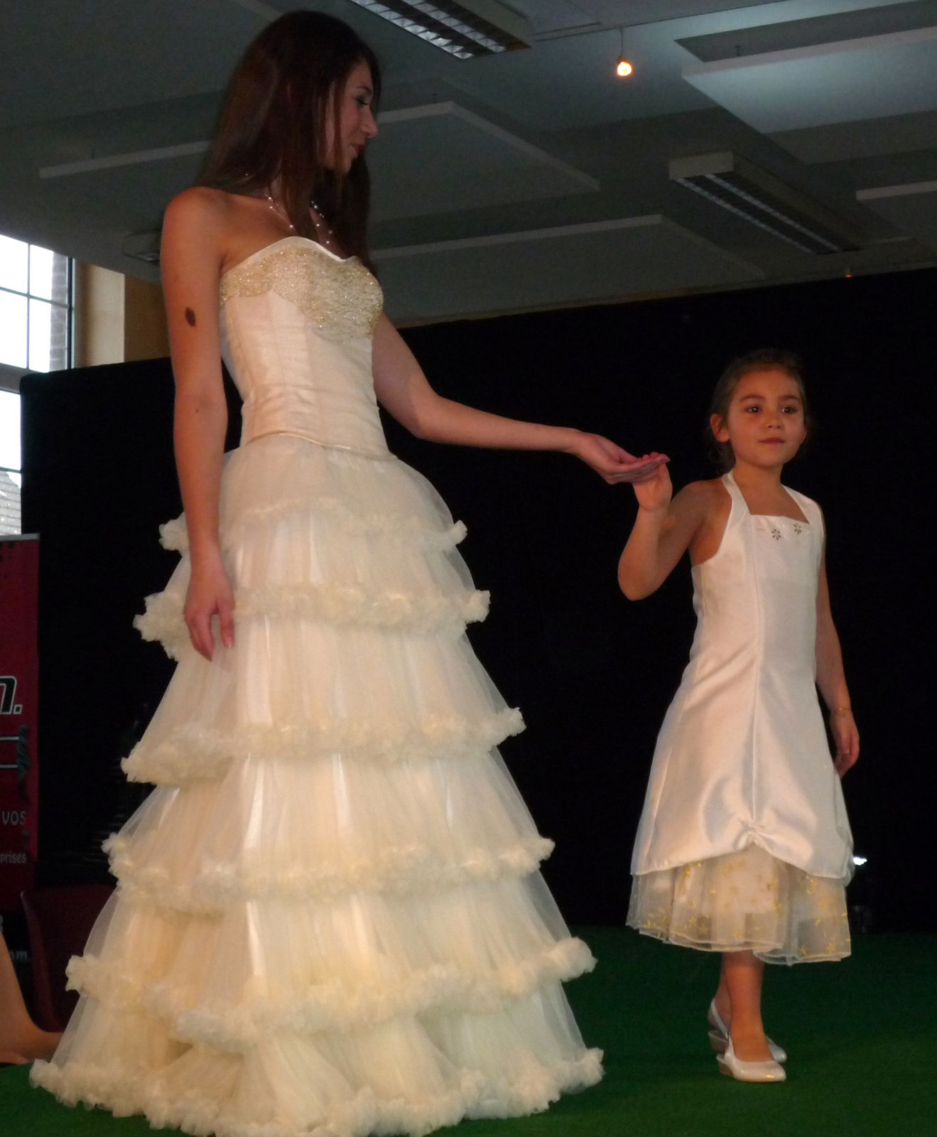 Les Miss et Mannequins de chez Artistes et Modèles en Seine.Elles portes les différents modèles que je crée.