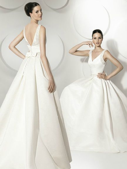 Choose a simple wedding dress with greek inspired why for Goddess inspired wedding dresses