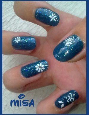 nail-art-bleu-opi.jpg
