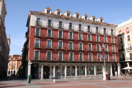 1 Banco de Santander - Plaza Mayor, Valladolid | Source | Author Tamor