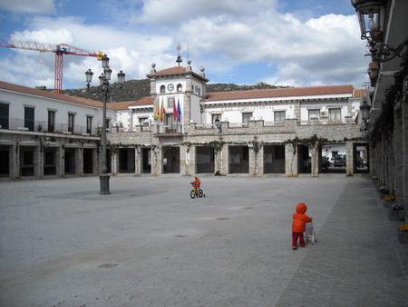 1 Plaza Mayor and Town Hall, Hoyo de Manzanares, Madrid, Spain 1 Plaza