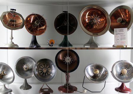 Collection de radiateurs à réflecteur parabolique, Musée de l'élec